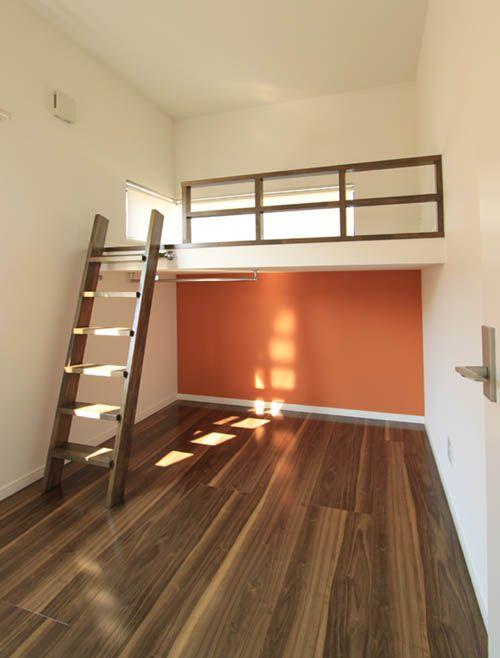 ベッドスペース用のロフトを設けることで機能的に使える子供部屋。