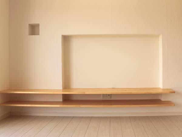 リビングの造り付けテレビ置き場