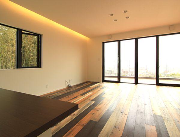 眺望を楽しむため2階に配置したリビングダイニング
