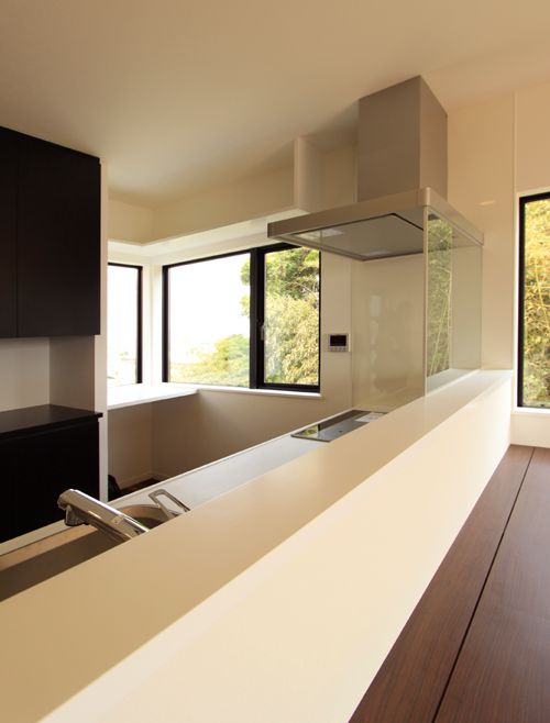 キッチンには眺望の良い家事スペースも配置