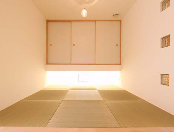 リビングと連続した明るい和室