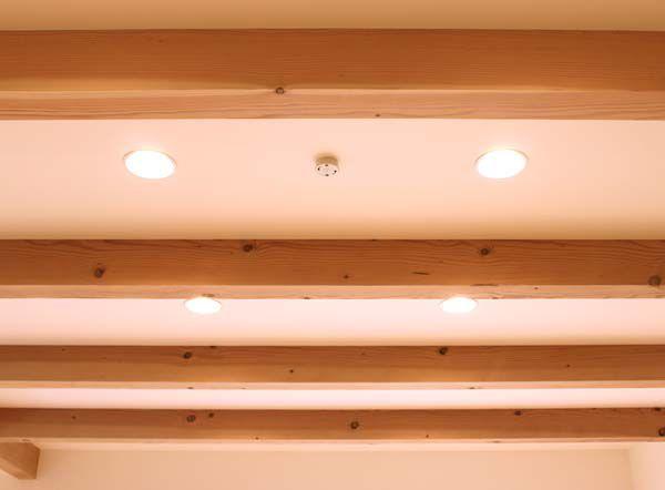 天井の化粧梁が雰囲気を醸し出しています。