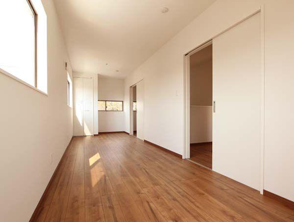 2階の洋室。将来お子様が成長したときに、2部屋に仕切れるようにしました。