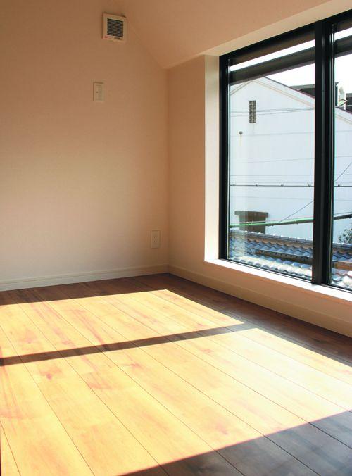 多目的で利用できる中2階の踊り場スペース。