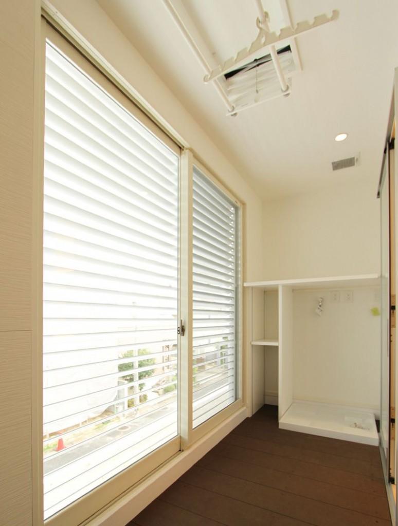 ランドリールームを設置。室内洗濯もの干し場も兼用しています。