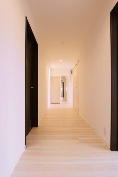 廊下はたっぷりと幅を確保しました。