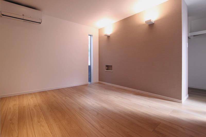 主寝室は落ち着いた雰囲気の空間としました。