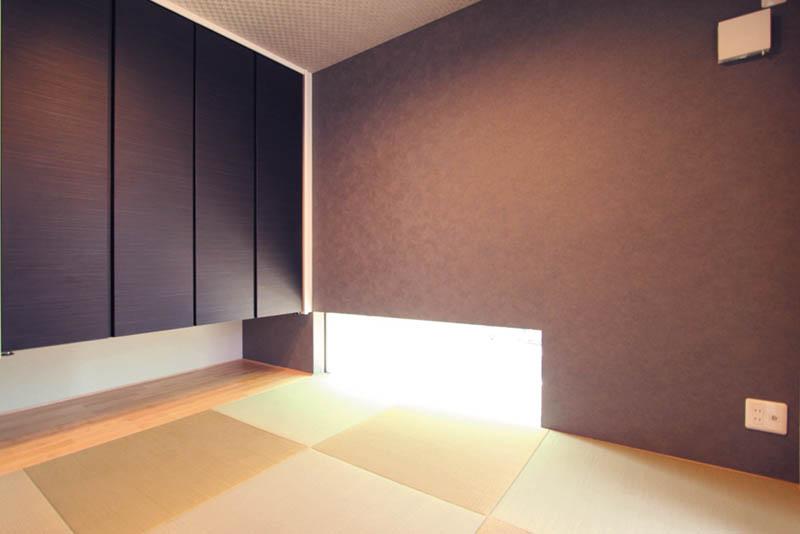 和室は黒を基調とし、落ち着きのあるモダンな空間に仕上げました。