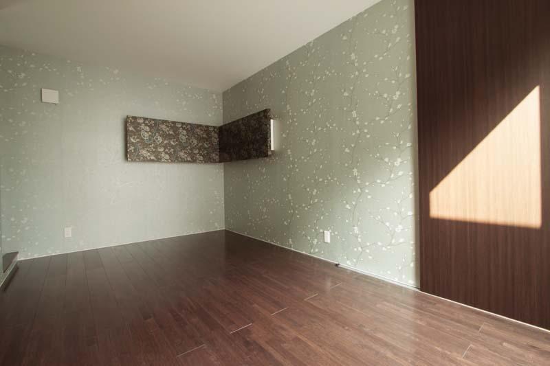 洋室には「和」の雰囲気を採りいれ、落ち着きのある空間としました。